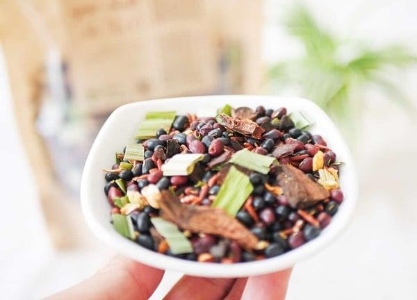 Trà gạo lứt là tên gọi chung của các loại đồ uống có thành phần chính là gạo lứt