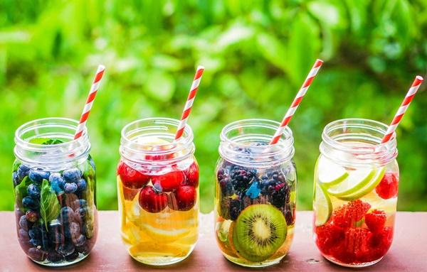 Dùng trà detox quá mức có thể dẫn đến tác dụng phụ là tiêu chảy