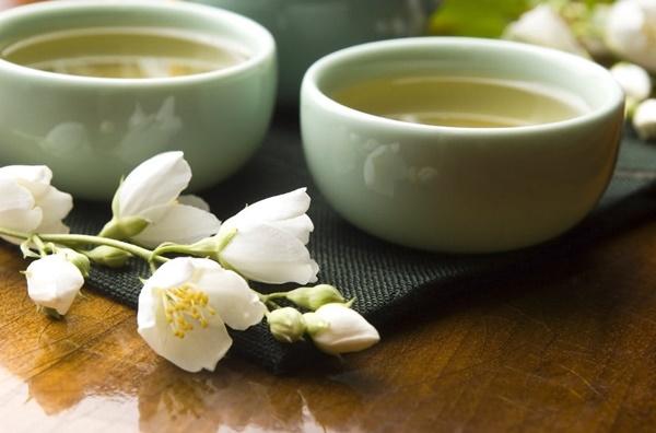 Cách pha trà ướp hương như với cách pha trà xanh thông thường