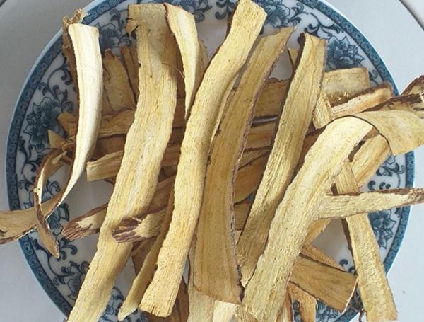 Cam thảo vừa tăng cường công dụng cho sức khỏe vừa cải thiện hương vị của trà xuyên tâm liên